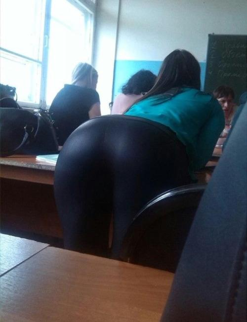 candid big booty college